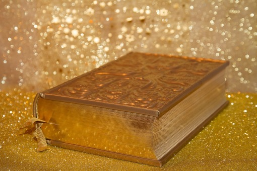 pretty gold book